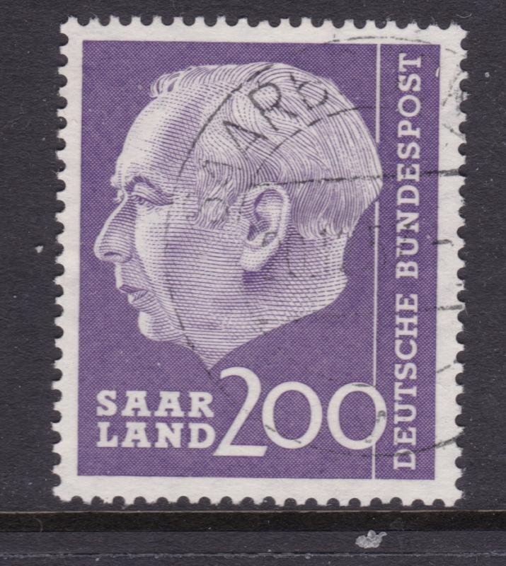 Saar a 200Fr from 1957 good/fine used (No F after value)