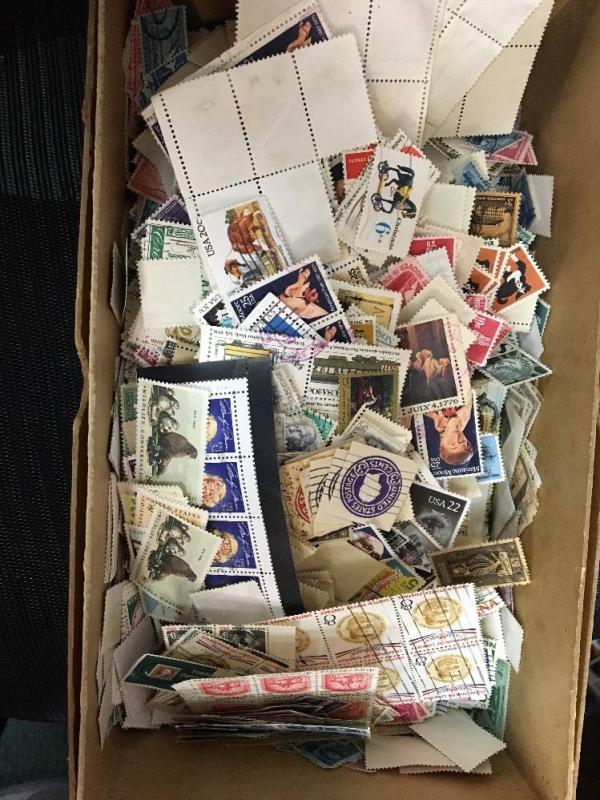 Used Off Paper.  U.S. Mixture. Over 5000 Stamps. A Very Nice Assortment.