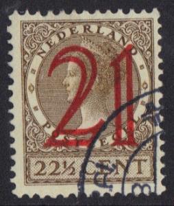 Netherlands  1929 used surcharge 21 on 22 1/2 ct Wilhelmina