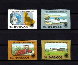 BARBADOS - 1983 - COMMONWEALTH DAY - BEACH - BEACH - SUGAR CANE ++ MINT MNH SET!