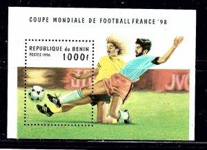 Benin 828 MNH 1996 Soccer S/S    (ap1144)