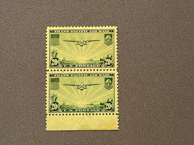 C21, Vertical Pair, MNH,  China Clipper over the Pacific