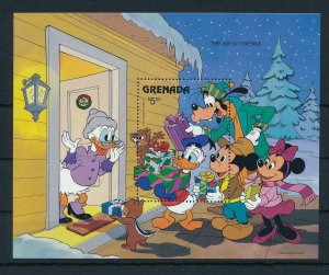 [22518] Grenada 1986 Disney Characters enjoy Christmas MNH