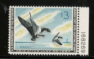 USA #RW30 VF/NH With Plate Number