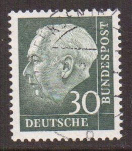 Germany  #755y  used  1960  President Heuss 30pf   fluorescent