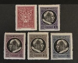 Vatican City 1940 #72-6, Unused/MH, CV $5.85