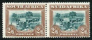 SOUTH AFRICA SG37 1927-30 Recess pictorial 2s6d green and brown perf 14 M/M