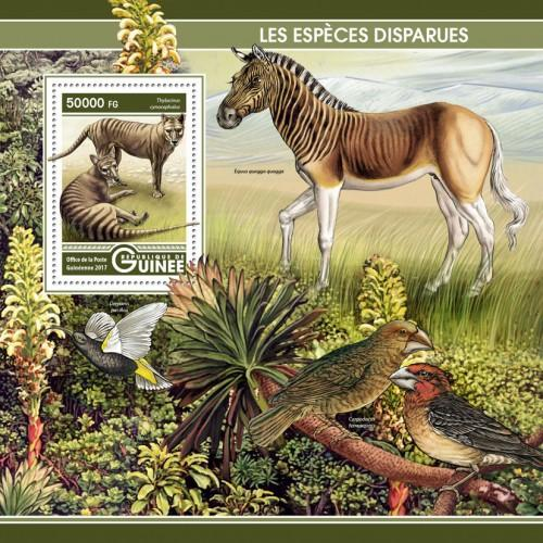 GUINEA - 2017 - Extinct Species - Perf Souv Sheet - MNH
