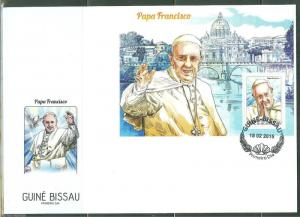 GUINEA BISSAU  2015  POPE FRANCIS SOUVENIR SHEET FIRST DAY COVER