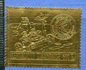 Gold Foil stamp Rwanda Apollo 15 Space  Sc 430 note CV $160 MNH 5451
