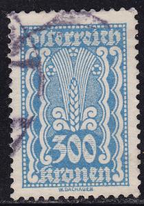 Austria 275 Symbols of Agriculture 300k 1922
