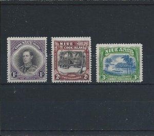 NIUE 1938 SET OF THREE MM SG 75/77 CAT £60