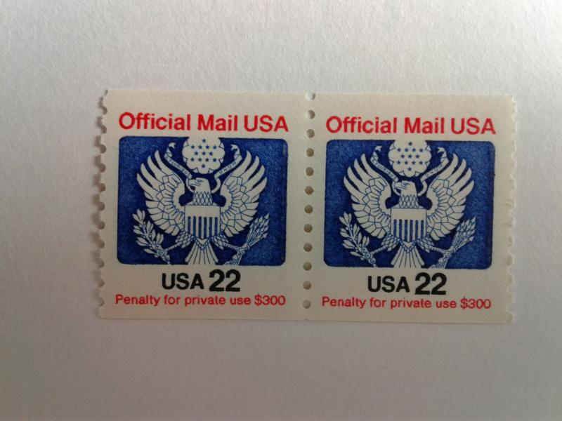 SCOTT # O136  22 CENT PAIR COIL OFFICIAL MAIL USA MINT NEVER HINGED