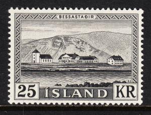 ICELAND — SCOTT 305 — BESSASTADIR PRESIDENT'S RESIDENCE — MLH — VF — SCV $25.00