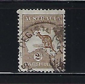 AUSTRALIA SCOTT #11 -1913 KANGAROO WMK 8 - 2SH (BROWN) -USED