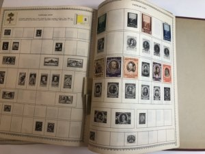 The New World Wide Postage Stamp Album Lots Of Old Stamps