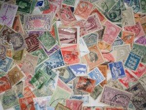 World. Bulk+ Bundles Off Paper. 3.9oz.(100 Gr. )+_ 2000 Stamps. See Description.