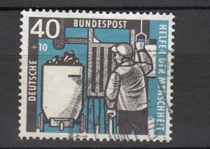 J26485 1957 germany hv of set used #b359 miner & coal elevator