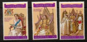 MAURITIUS SG516/8 1977 SILVER JUBILEE MNH