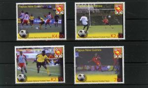 PAPUA NEW GUINEA 2004 Sc#1136-1139 SPORTS SOCCER SET OF 4 STAMPS MNH