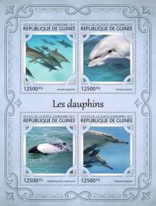 GUINEA - 2017 - Dolphins - Perf 4v Sheet - M N H