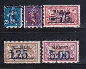 Memel 44-45, 47-49 MH Surcharges