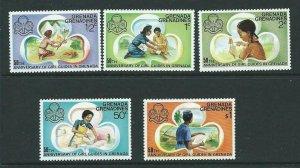 GRENADA GRENADINES SG163/7 1976 50th ANNIV OF GIRL GUIDES IN GRENADA MNH