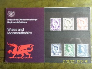 1970 WALES AND MONMOUTHSHIRE REGIONAL DEFINITIVE ISSUE PRESENTATION PACK ( A ).