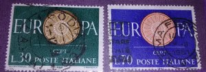 Presenting Italy 809-10 used
