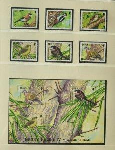 JE105) Jersey 2010 Birdlife Part IV Woodland Birds (6) + M/S MUH