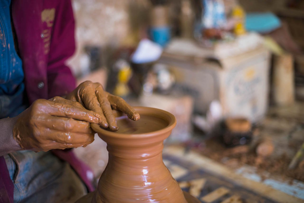 Making Moroccan pottery