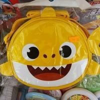 正韓國造-PINK-FONG-糸列-BABY-SHARK-DAD-SHARK-鯊魚家族-斜揹袋/約-18_×_17_x_5.5cma