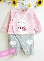 (向日葵小屋)秋冬新款 層次感的靚兔兔空氣棉保暖長袖嬰兒夾衣 60-70碼 106086