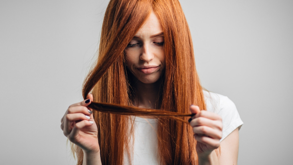 Are hair ties bad for your hair? Damaging mistakes and easy tips