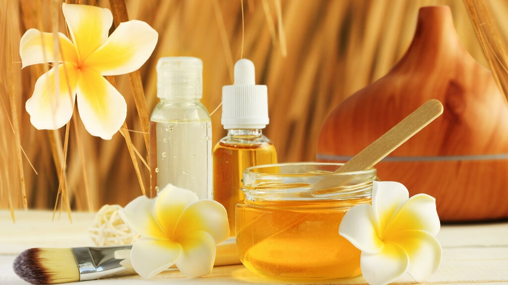 Save the bees: 8 reasons why honey is good for your hair