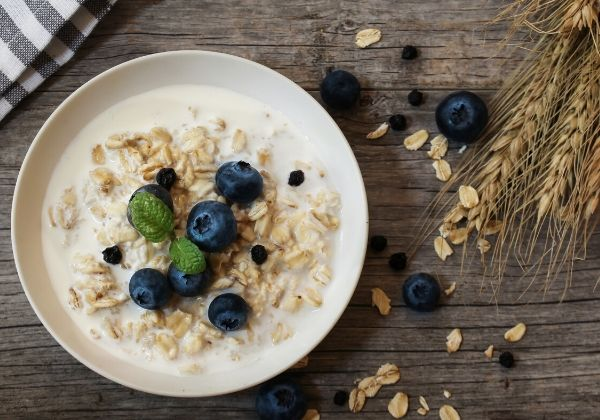 Make Mornings Easy With These 25 Delicious Overnight Oats Recipes