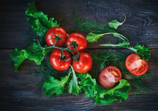 Lycomato: Carotenoids, Phytosterols, Tocopherols, and Your Eye health