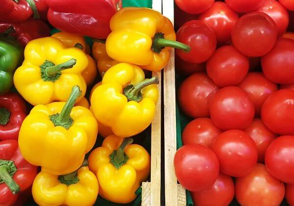Easy Tomato Stuffed Bell Pepper Recipe for a Weeknight