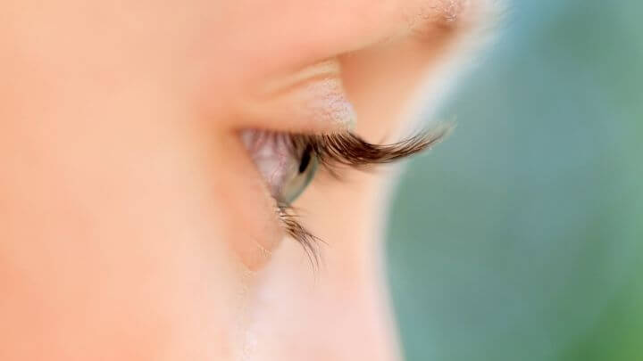 Why healthy eyelashes make a difference