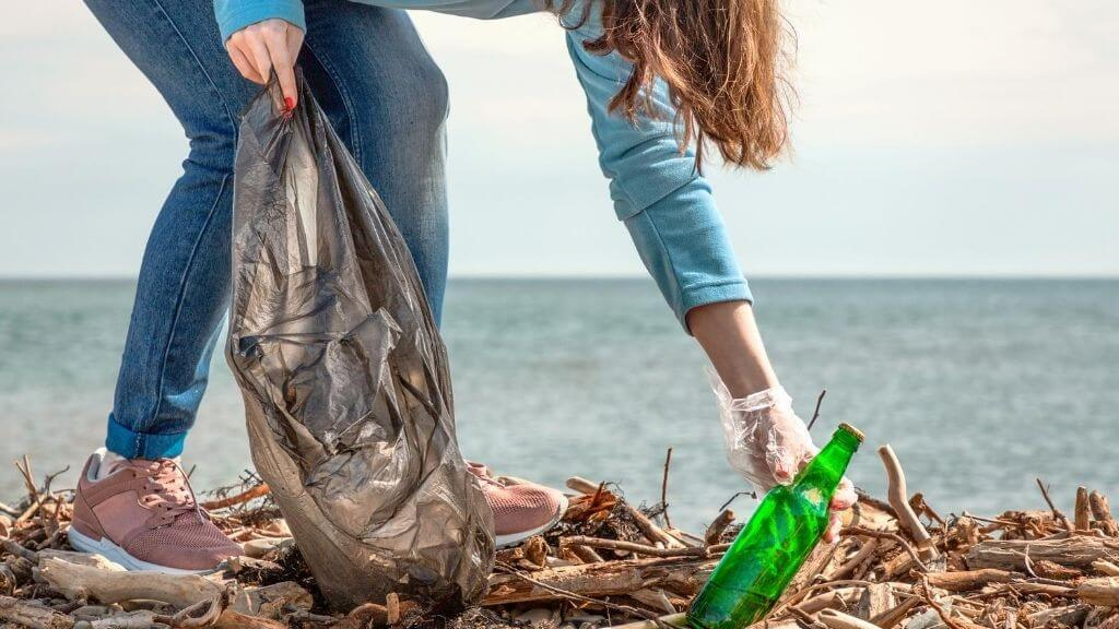Coastal Cleanup Day: Clean up your local beach!