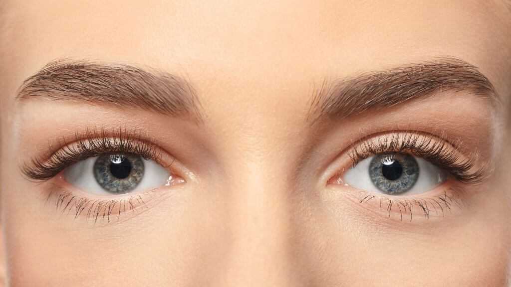 How to strengthen your natural lashes
