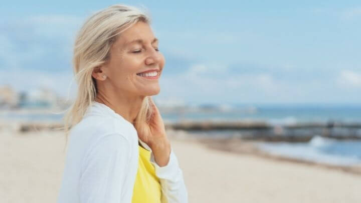 Travel tips for the healthiest summer hair at any step of your hair journey