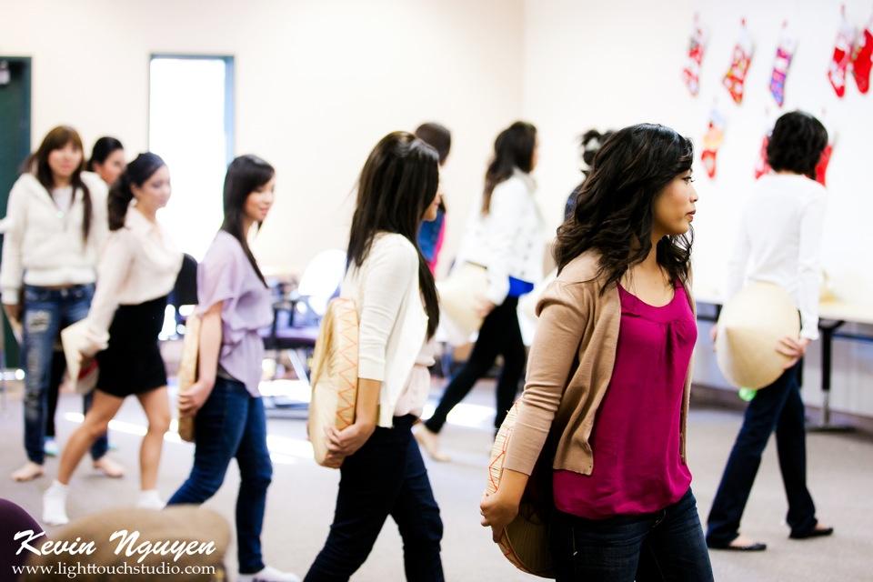 Contestant Practice-Rehearsal 2012 - Image 010