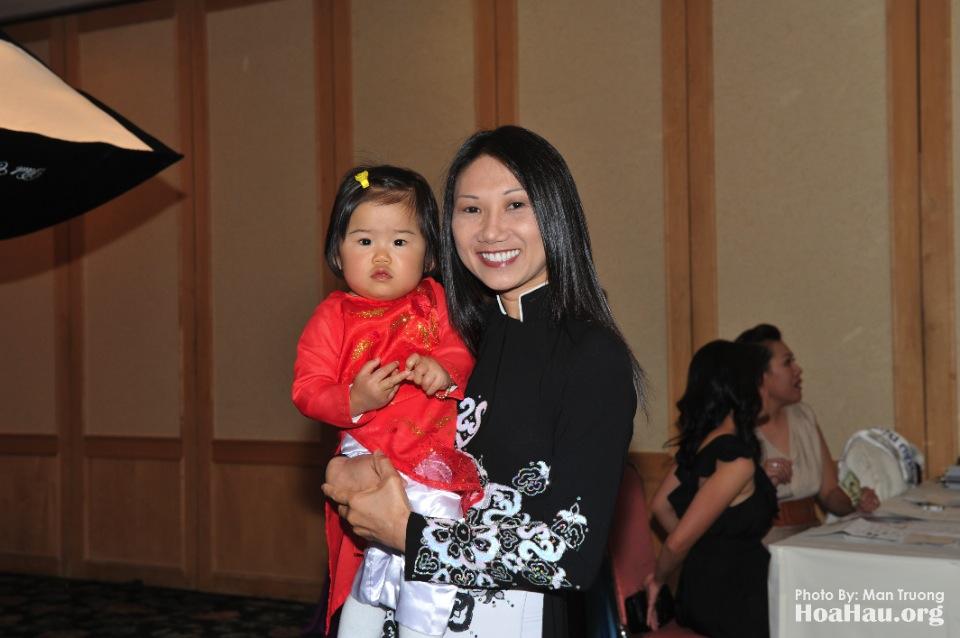 Coronation 2013 - Dang Quang - Hoa Hau Ao Dai Bac Cali - San Jose - Image 037