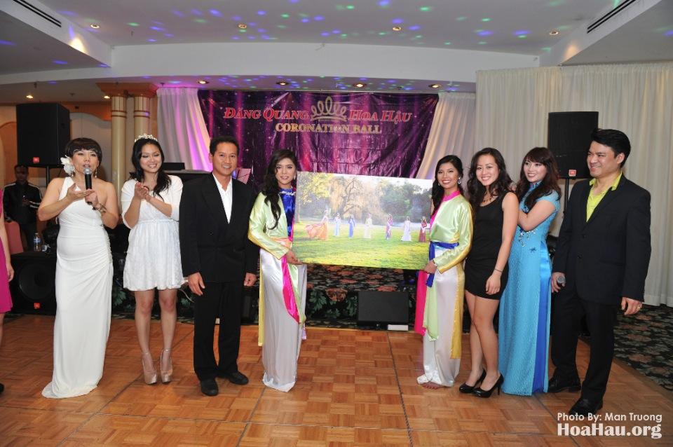 Coronation 2013 - Dang Quang - Hoa Hau Ao Dai Bac Cali - San Jose - Image 097