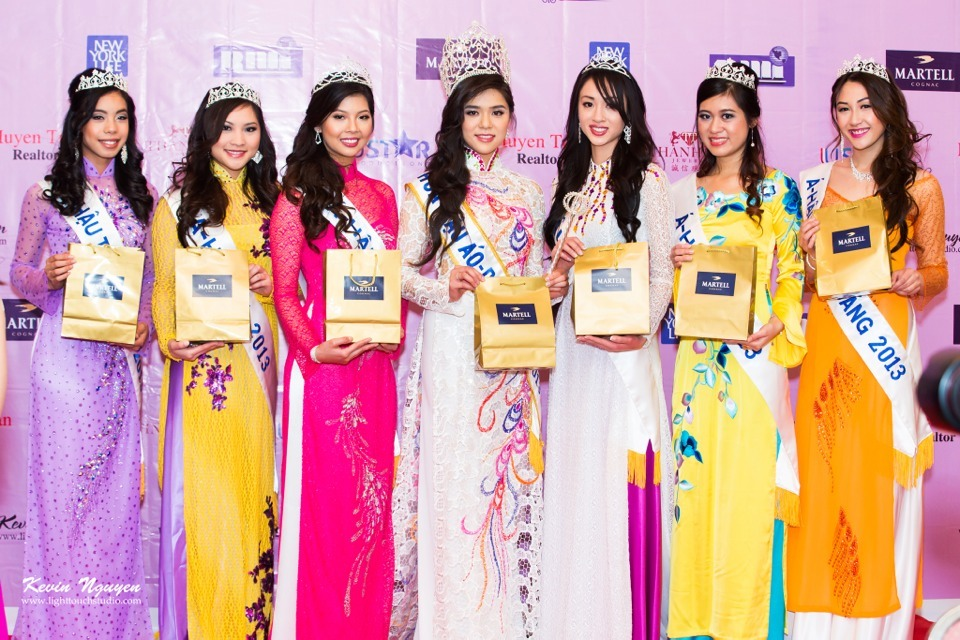 Coronation 2013 - Hoa Hau Ao Dai Bac Cali - Image 012