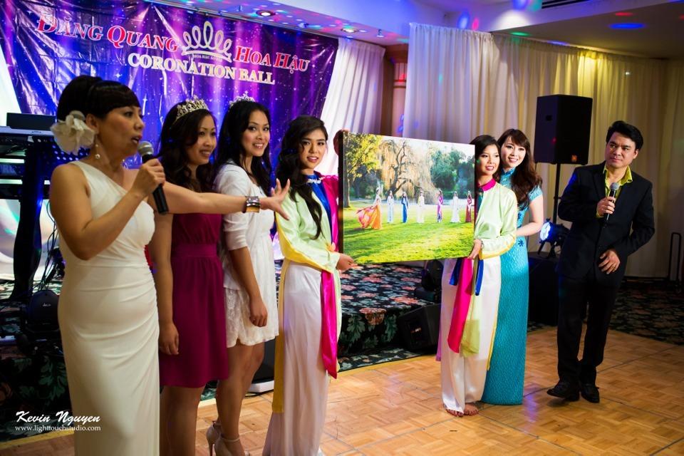 Coronation 2013 - Hoa Hau Ao Dai Bac Cali - Image 032