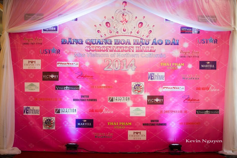 The Guests at the Coronation of Hoa Hau Ao Dai Bac Cali 2014 and Court - Image 001