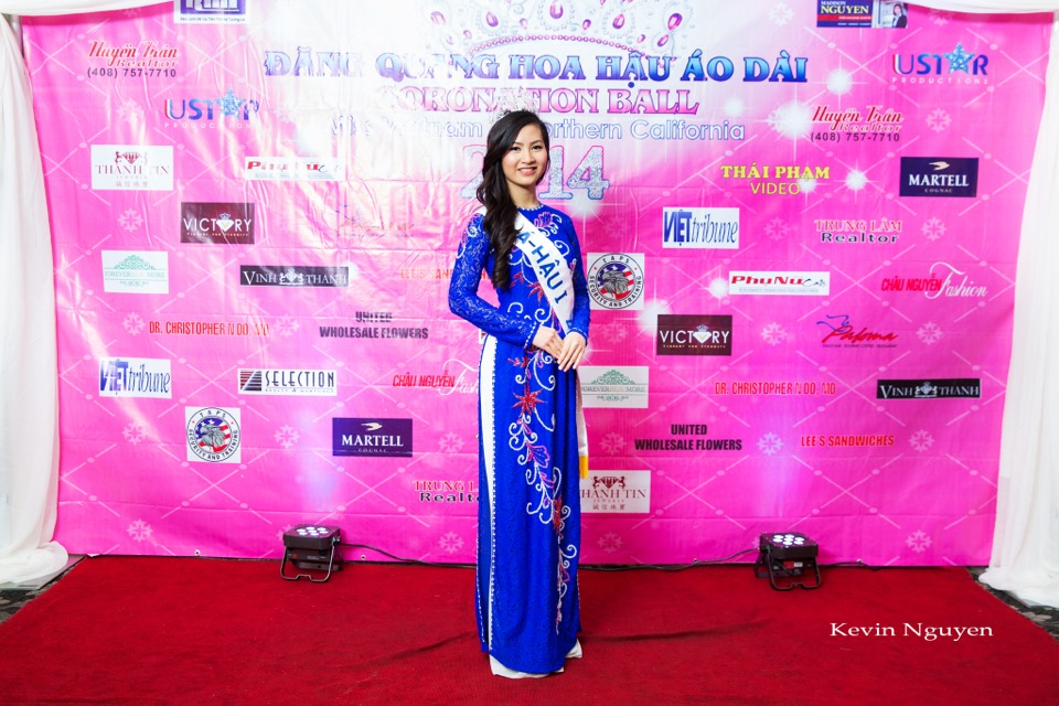 The Guests at the Coronation of Hoa Hau Ao Dai Bac Cali 2014 and Court - Image 003