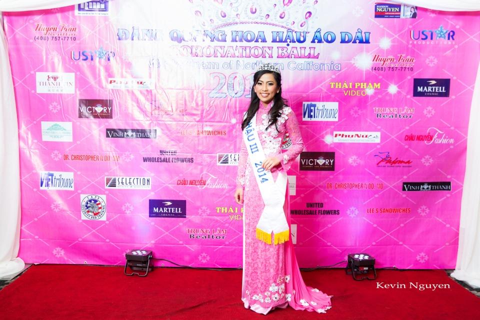 The Guests at the Coronation of Hoa Hau Ao Dai Bac Cali 2014 and Court - Image 006